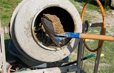 Приготовление бетона в бетономешалке — пропорции в ведрах